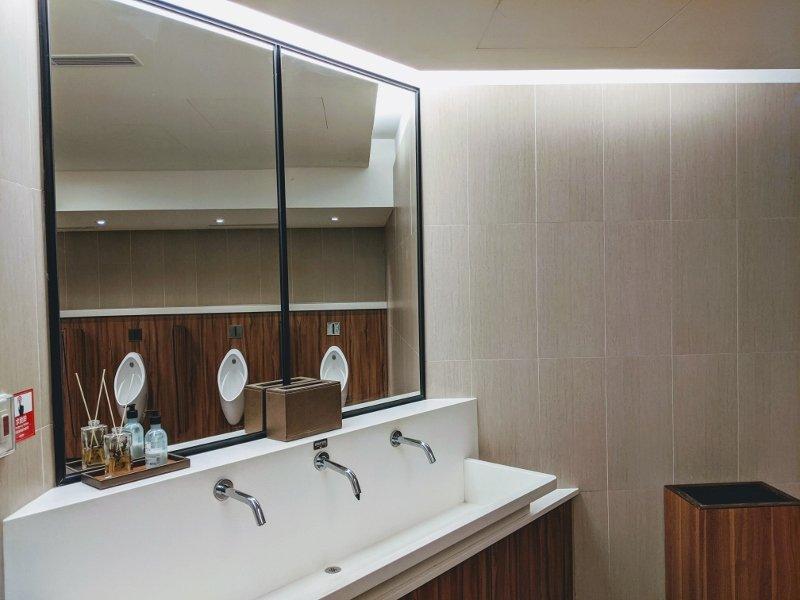 南紡威秀GOLD CLASS廁所