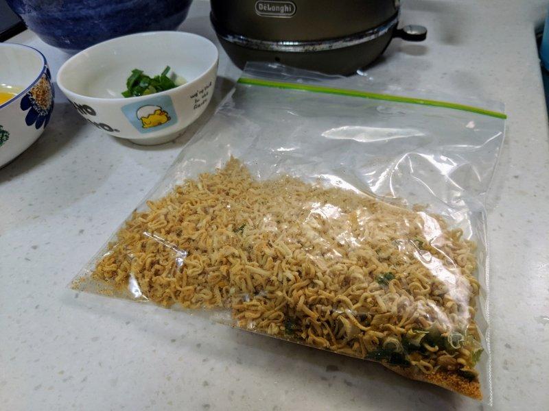 杯麵炒飯.超簡單新手十分鐘料理 1