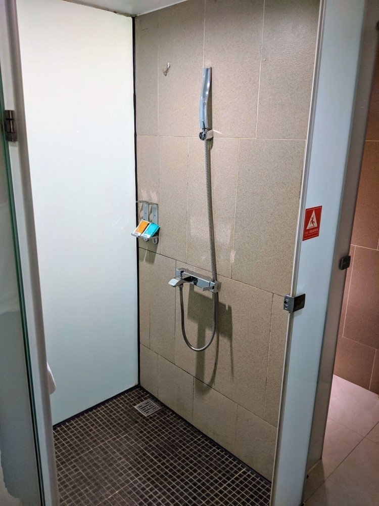HOTEL HI 垂楊店 嘉義市區平價旅館,假日雙人房不到1500元 2